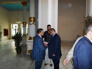 وزير التربية والتعليم يستقبل الحسينى محمد _ الخوجة  079