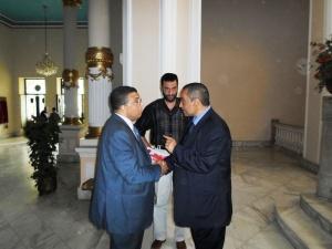 وزير التربية والتعليم يستقبل الحسينى محمد _ الخوجة  080